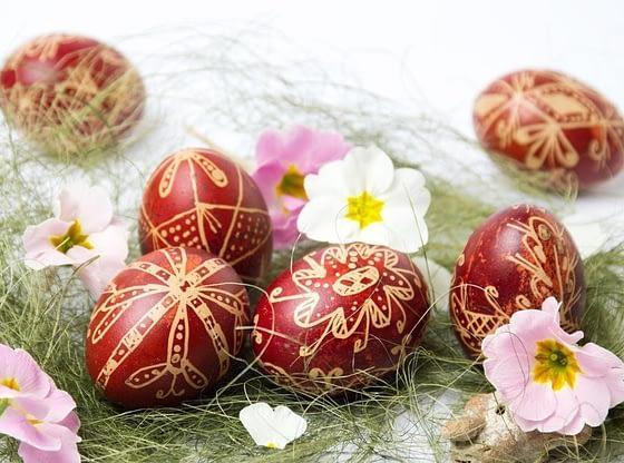 Zvaničnici Srbije čestitali Uskrs uskrs 1