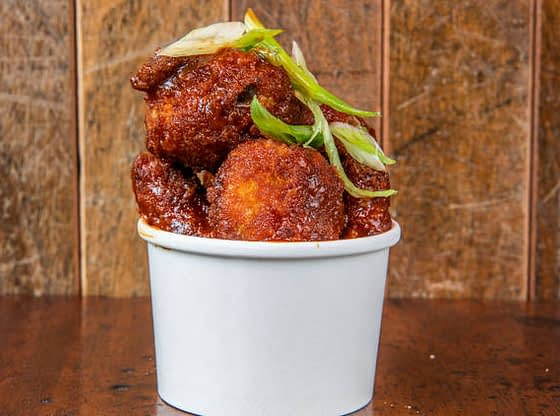 Fenomenalan recept za pileća krila i BBQ sos